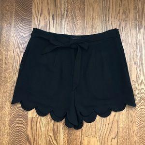 Mittoshop black scalloped shorts with tie belt